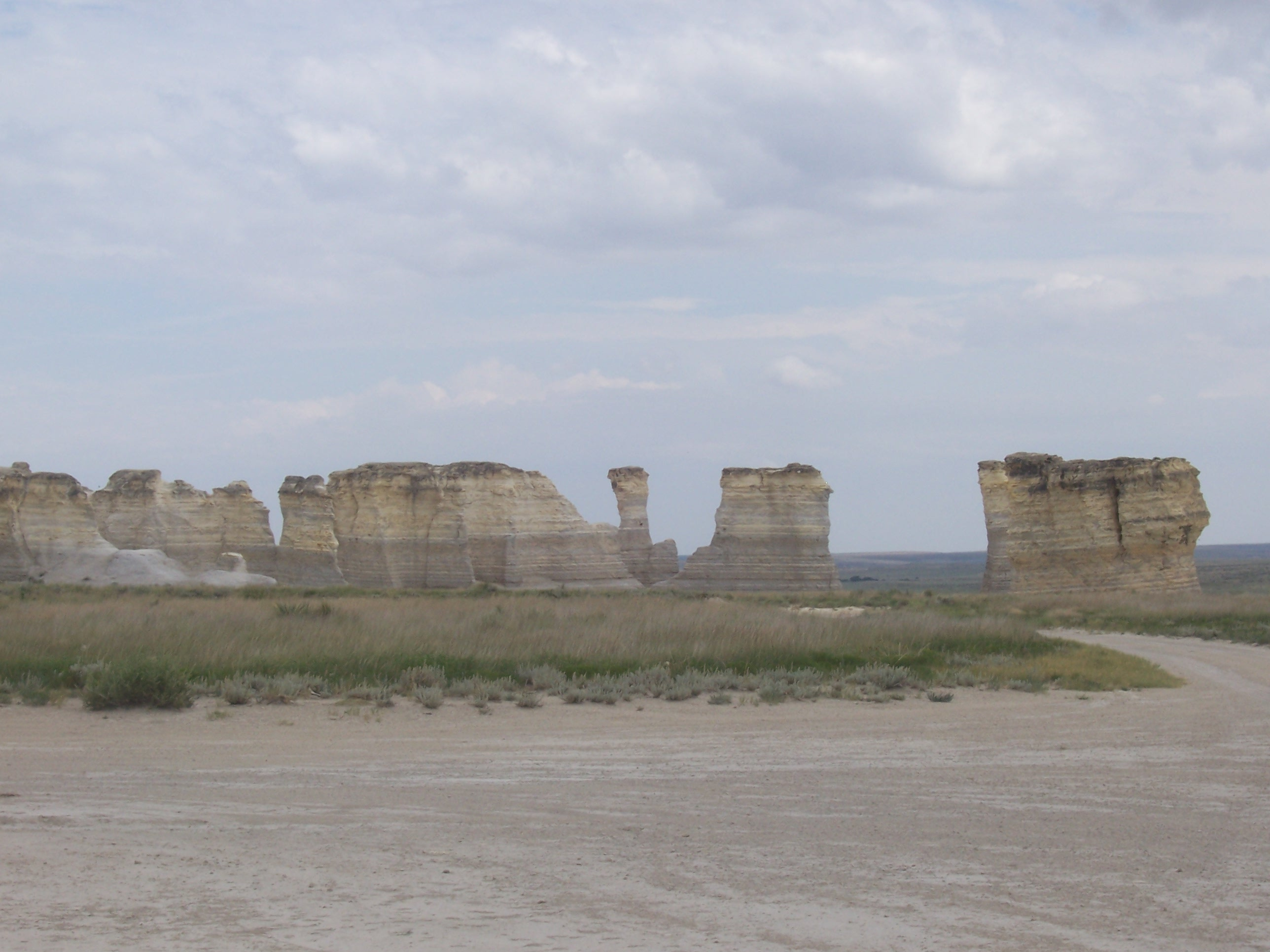 Kansas gove county grinnell - Louise Speaks In Patricia S Book 1000 Places To See Before You Die She Has This Listed As The Niobrara Chalk Mainly Because Of The Density Of The Rock