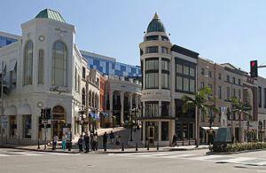 Rodeo_Drive_&_Via_Rodeo,_Beverly_Hills,_LA,_CA,_